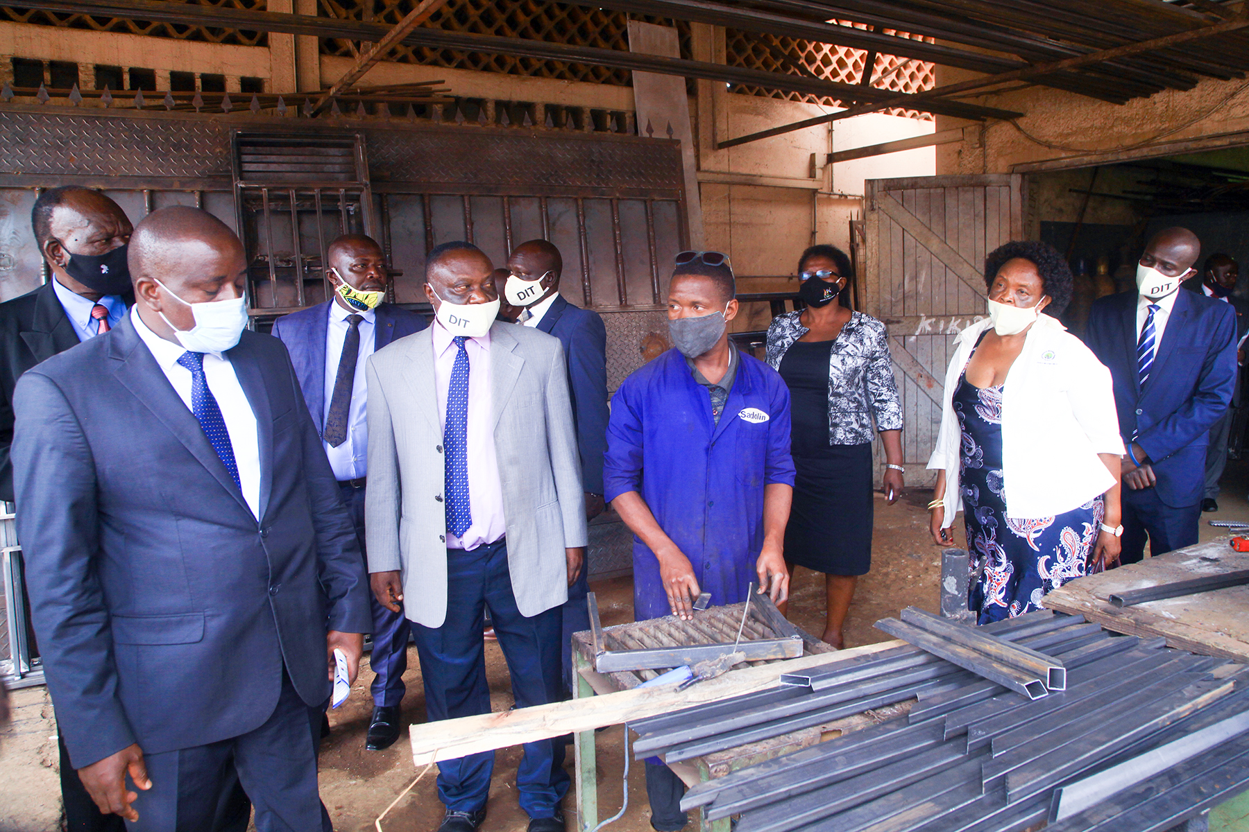 Hon.Minister tours DIT training facilities